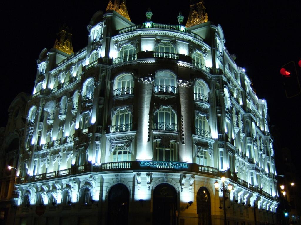 ライトアップされた建物
