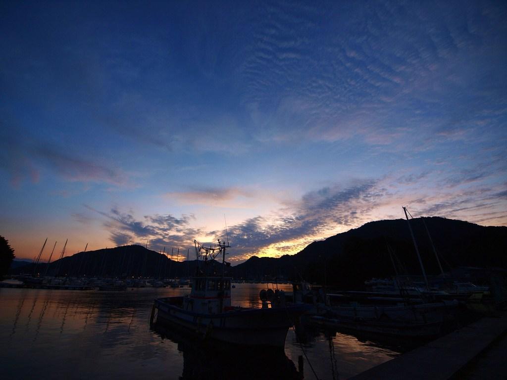 内浦の夜明け 2