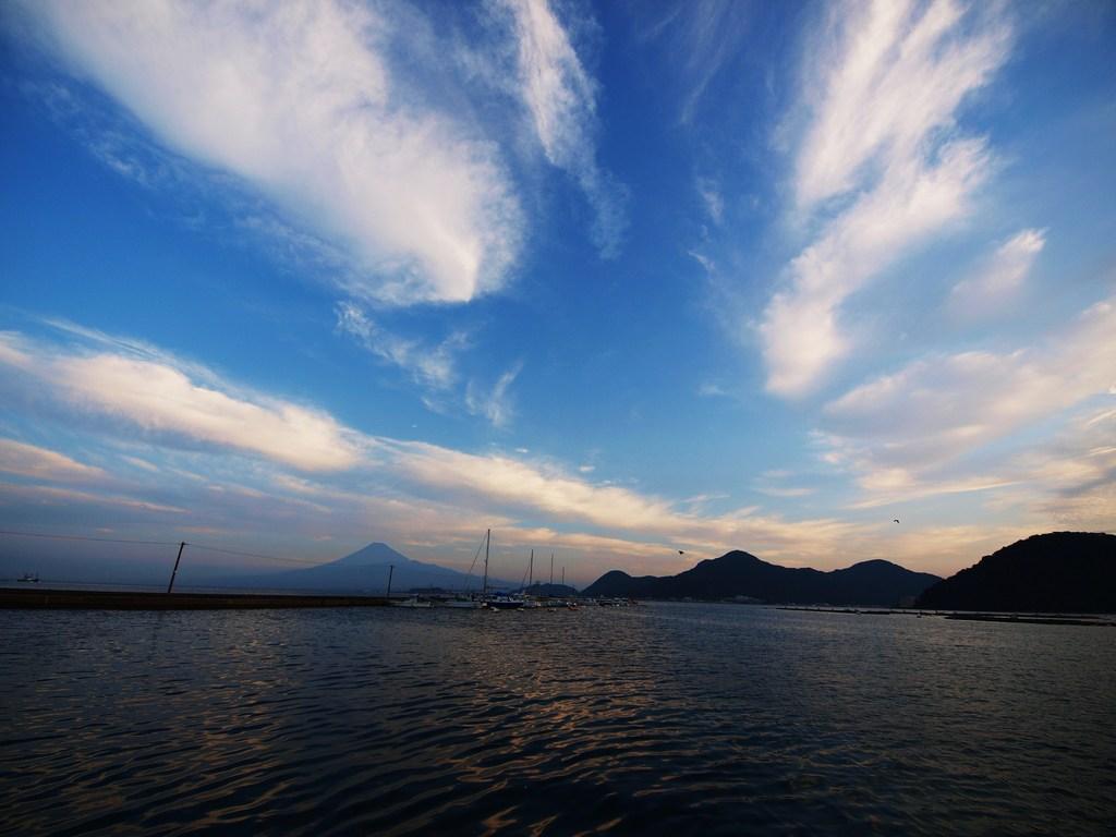 内浦の夜明け 5