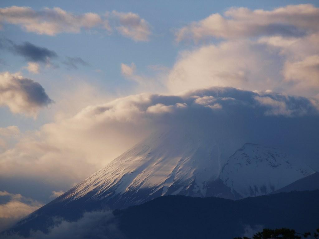 富士にかかる雲