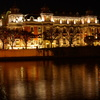 堂島川に浮かぶ中央公会堂
