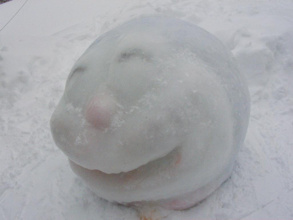 雪像のドラエモン