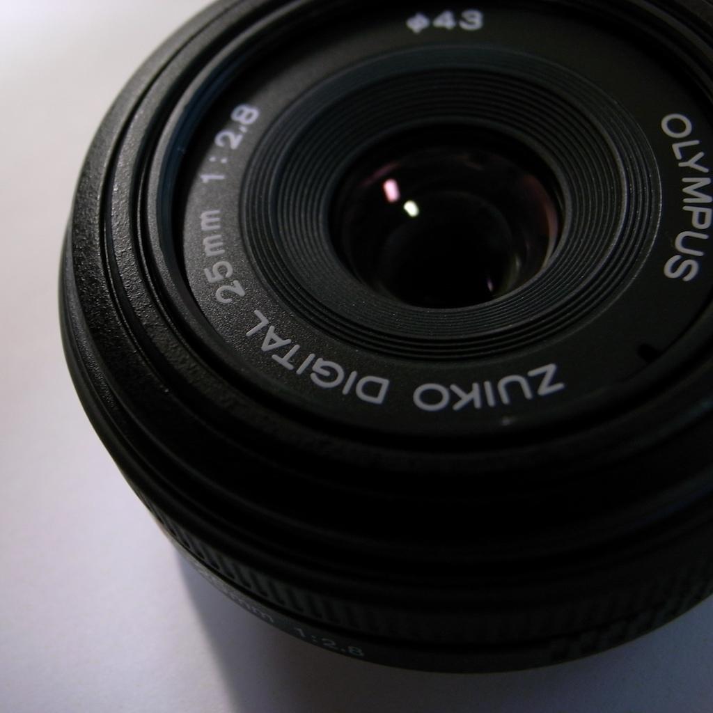 ZUIKO DIGITAL 25mm F2.8