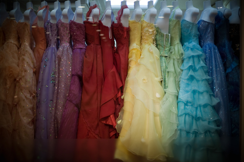 dresses colours