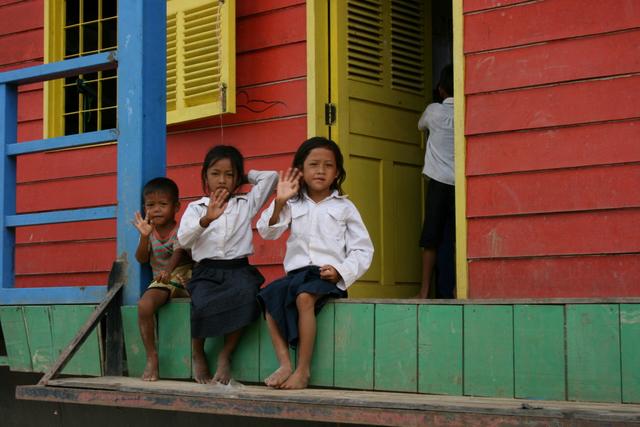 カンボジア トンレサップ湖にて