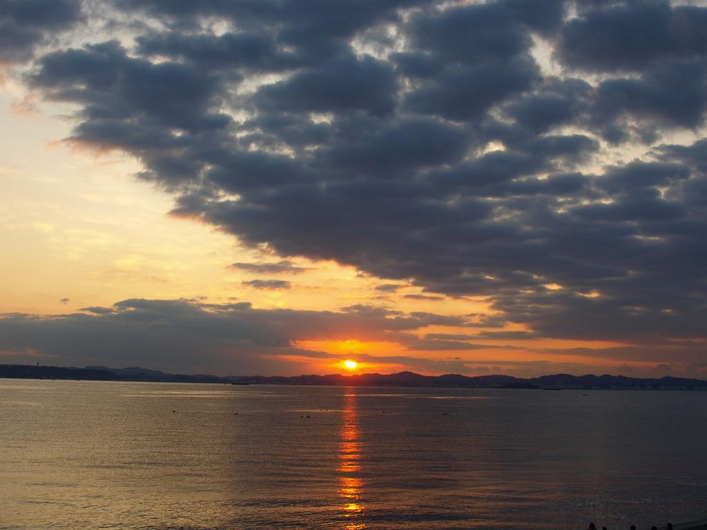 東京湾の夕陽