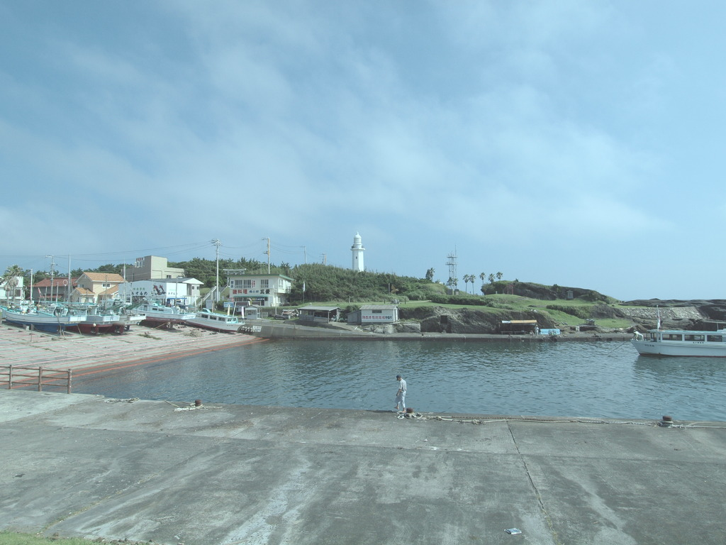 灯台のある風景