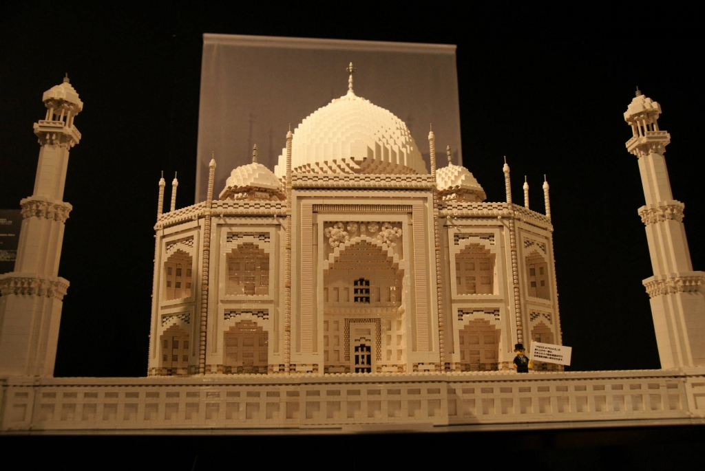 レゴで作られたタージマハル