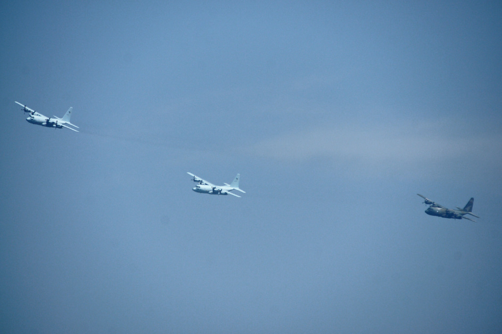 6640m 編隊飛行2
