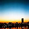 河と夕暮れ
