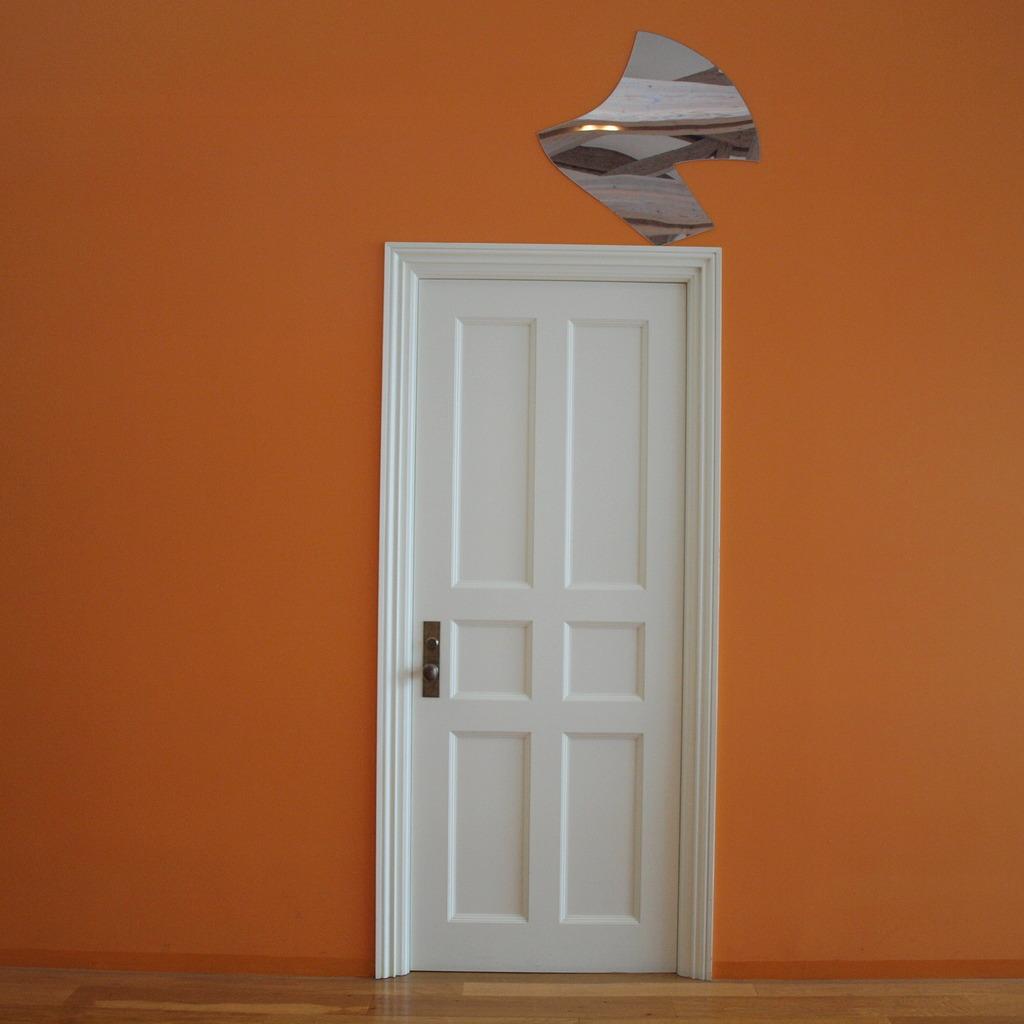 扉の向こうへ