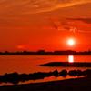 播磨灘の人工島に沈む夕日