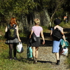 廃線鉄道を行く三人娘