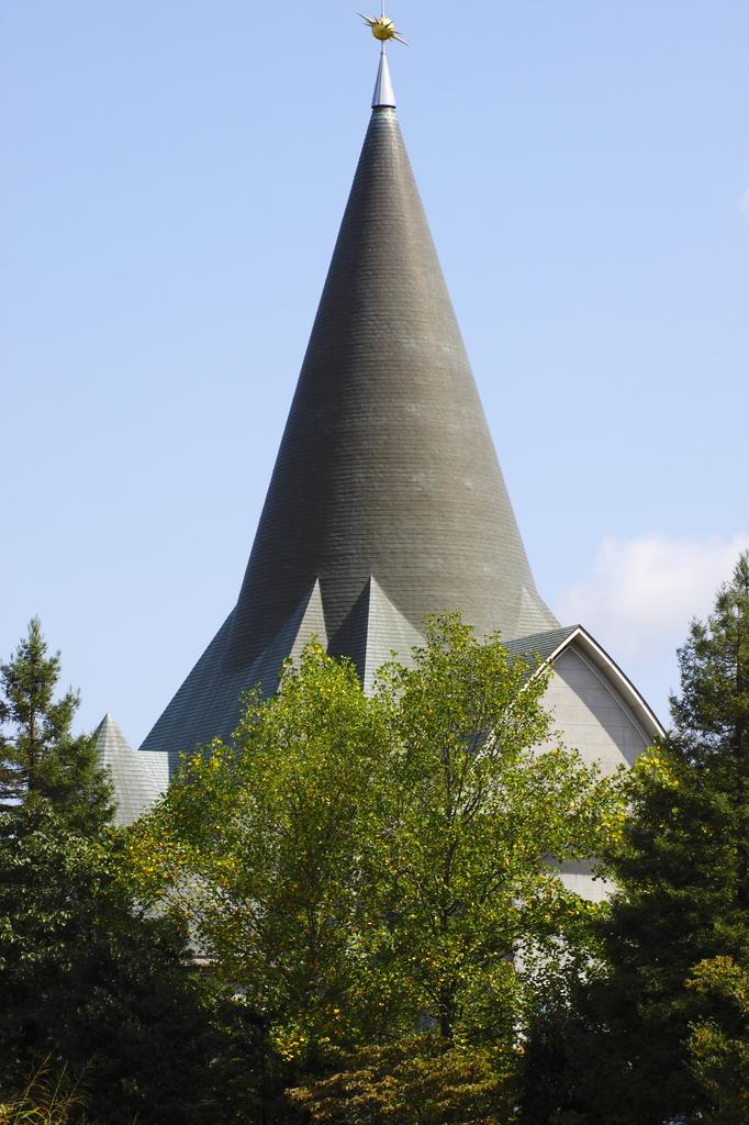 尖塔のある風景