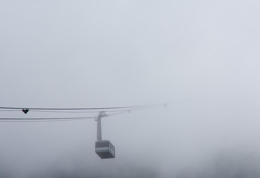 雲の中を行く