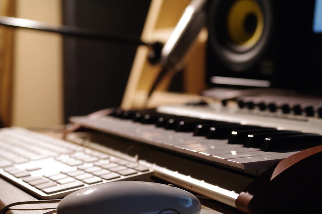 机の上の音楽