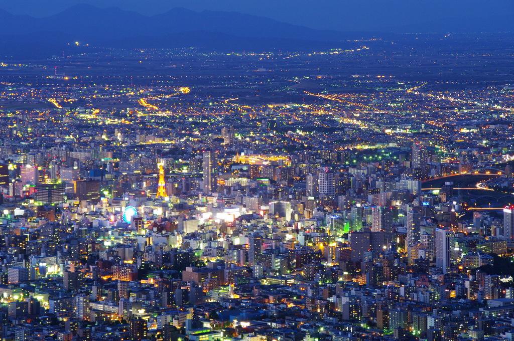 藻岩山から札幌の夜景①