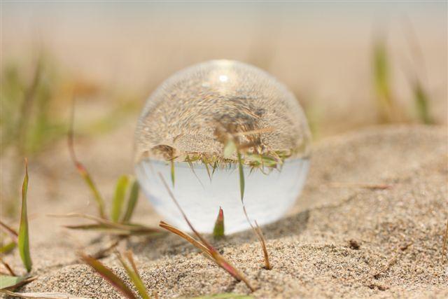 砂浜と水晶
