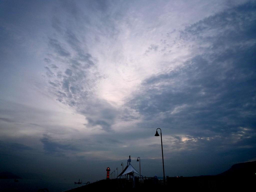 高松港夜明け前090713-04