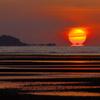 キワラビーチの「だるま朝日」