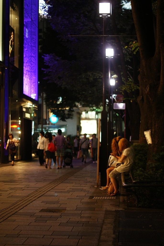 表参道のィ夜