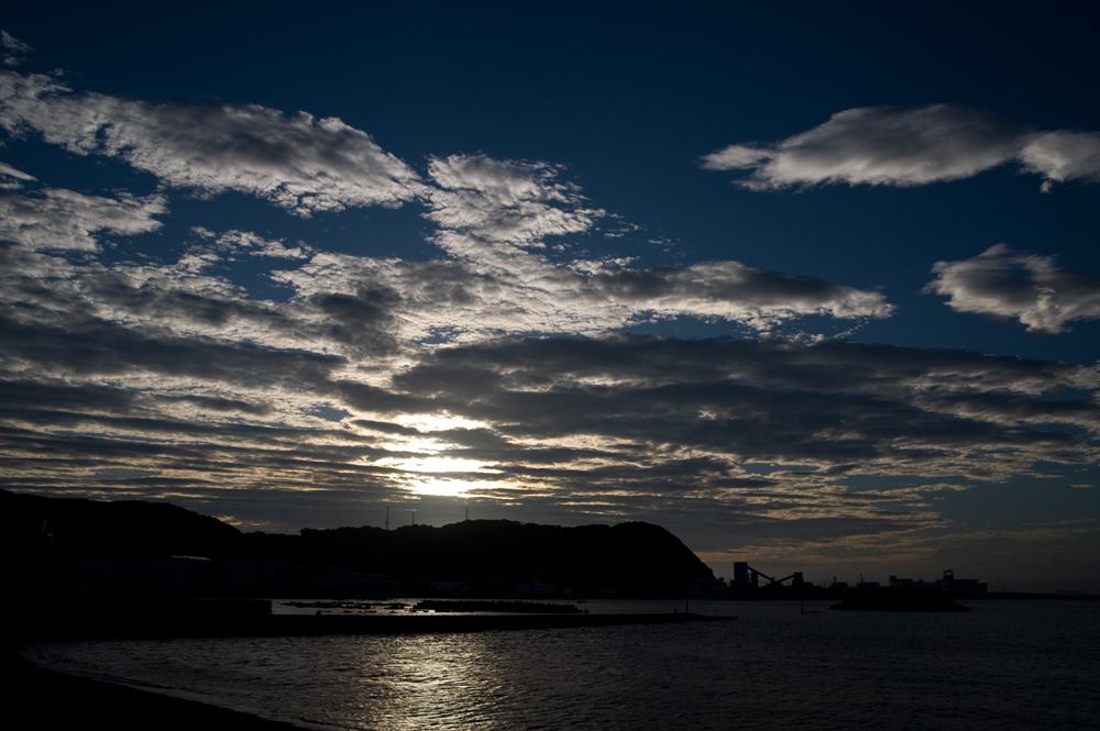 梅雨明けの朝 ~久里浜港~
