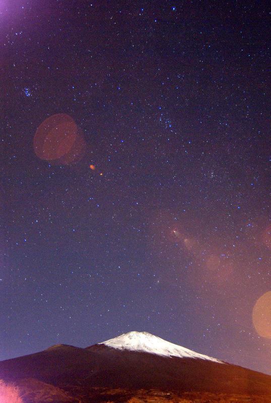 iso高めの富士山夜