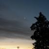 朝焼けと月と星