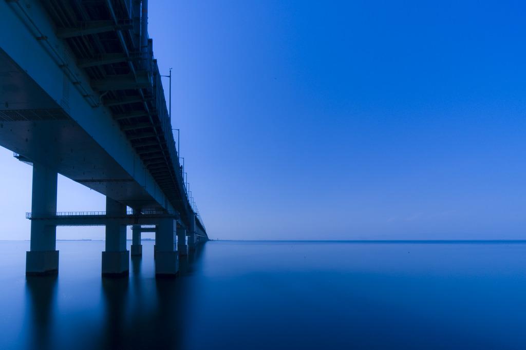 別世界へ架かる橋