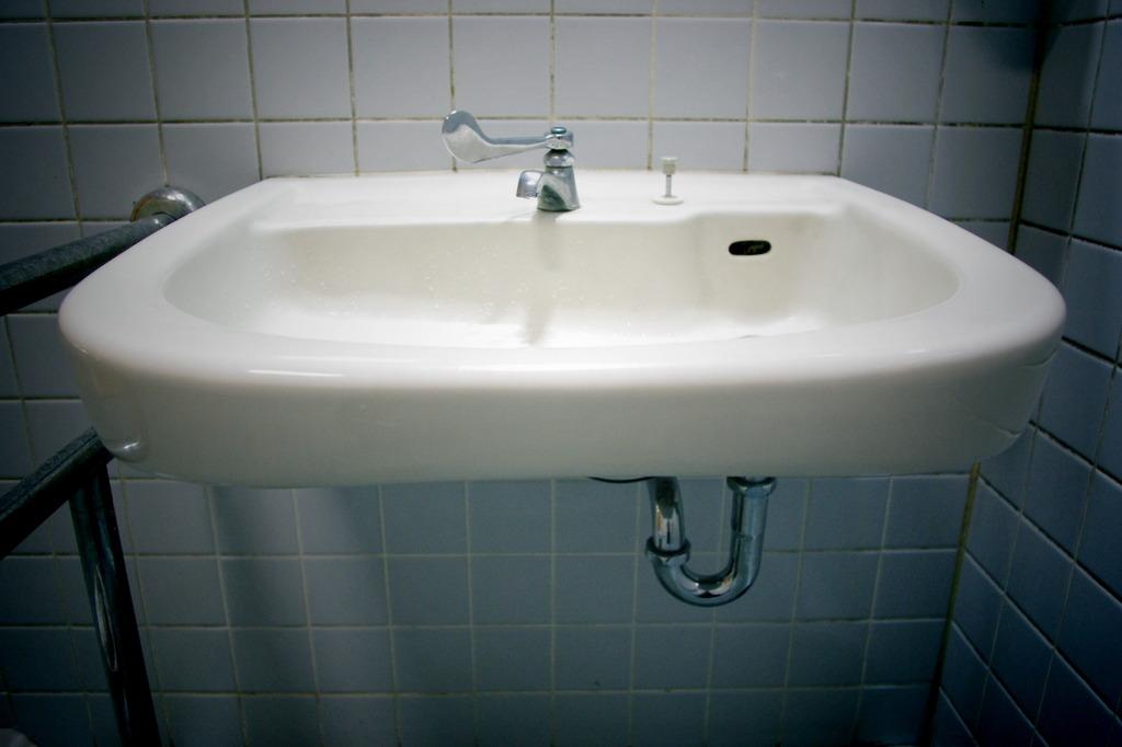 TSUTAYA トイレにて