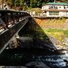 吉田川を渡る