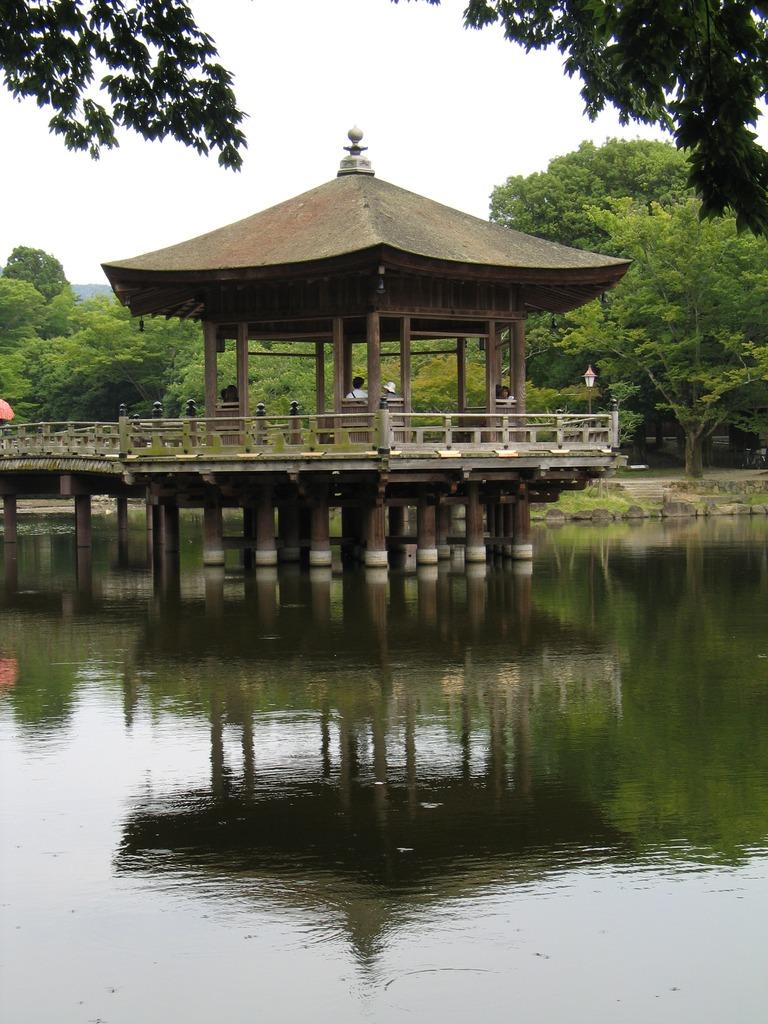 浮見堂(奈良県)