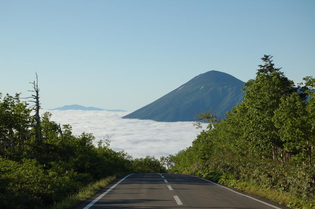 八幡平アスピーテラインから岩手山