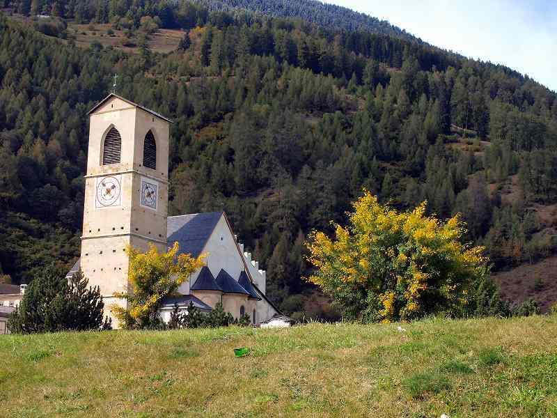 世界遺産の聖ヨハネ・バプテスト修道院(ミュスタイア)