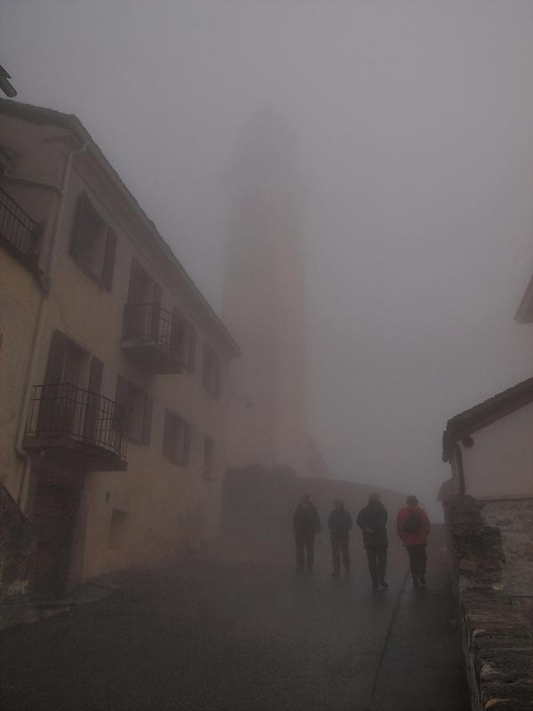 濃霧のソーリオ村