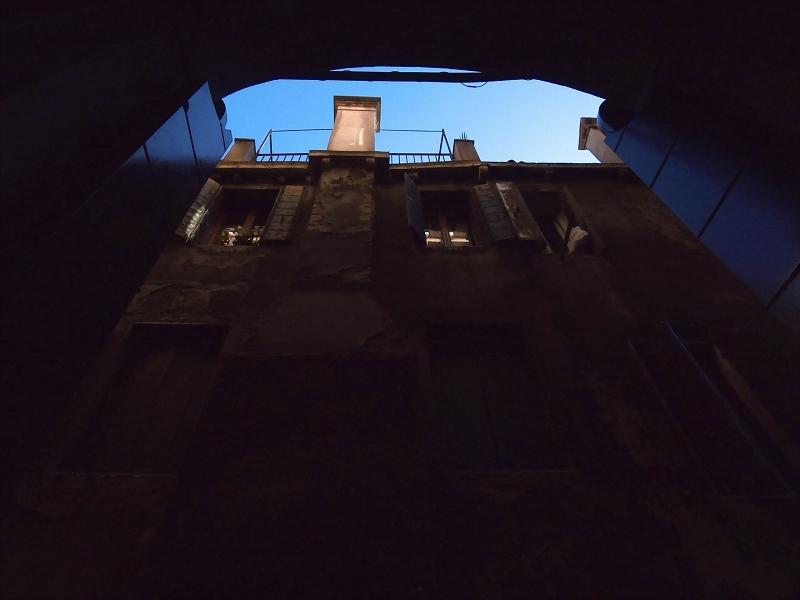 裏窓(ベニス本島)