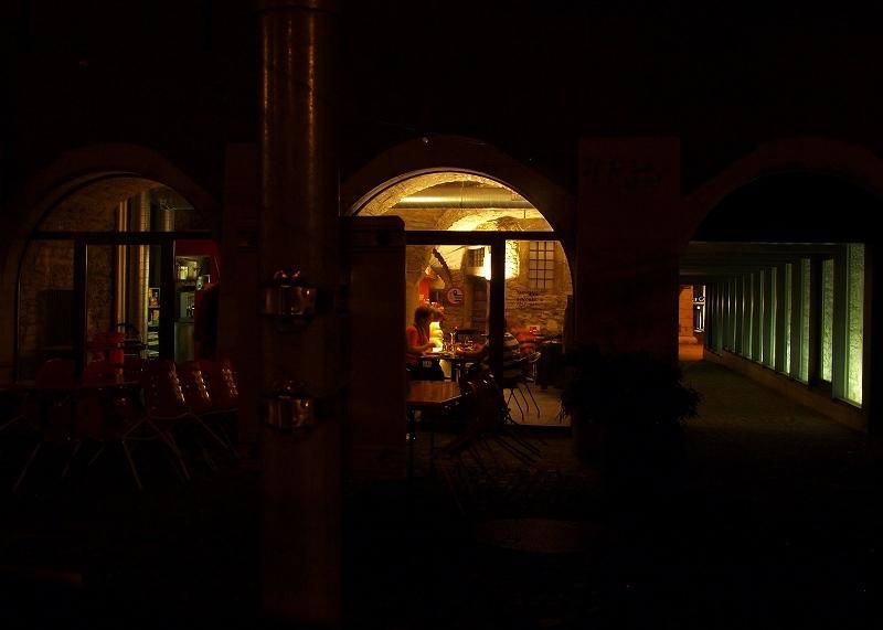 夜のカフェ(シャウハウゼン)