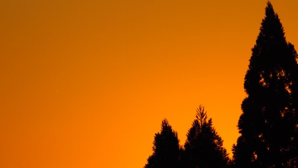 秋の夕空  at16,nine