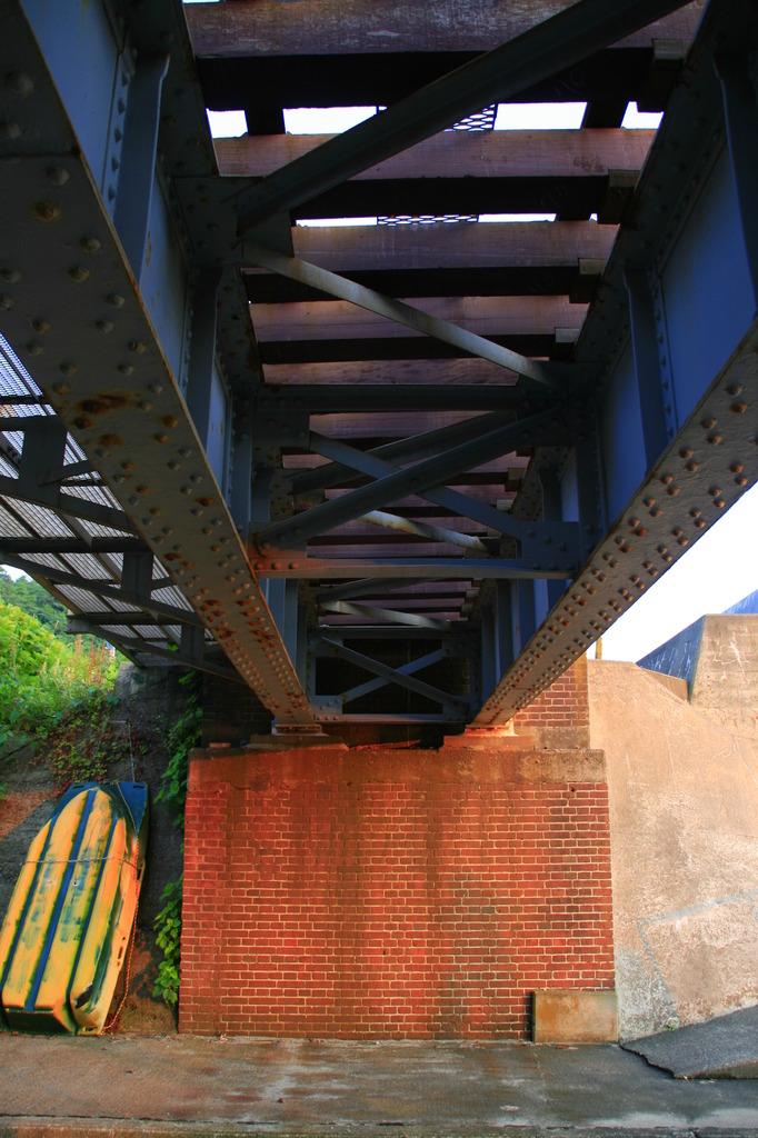 海辺の架橋