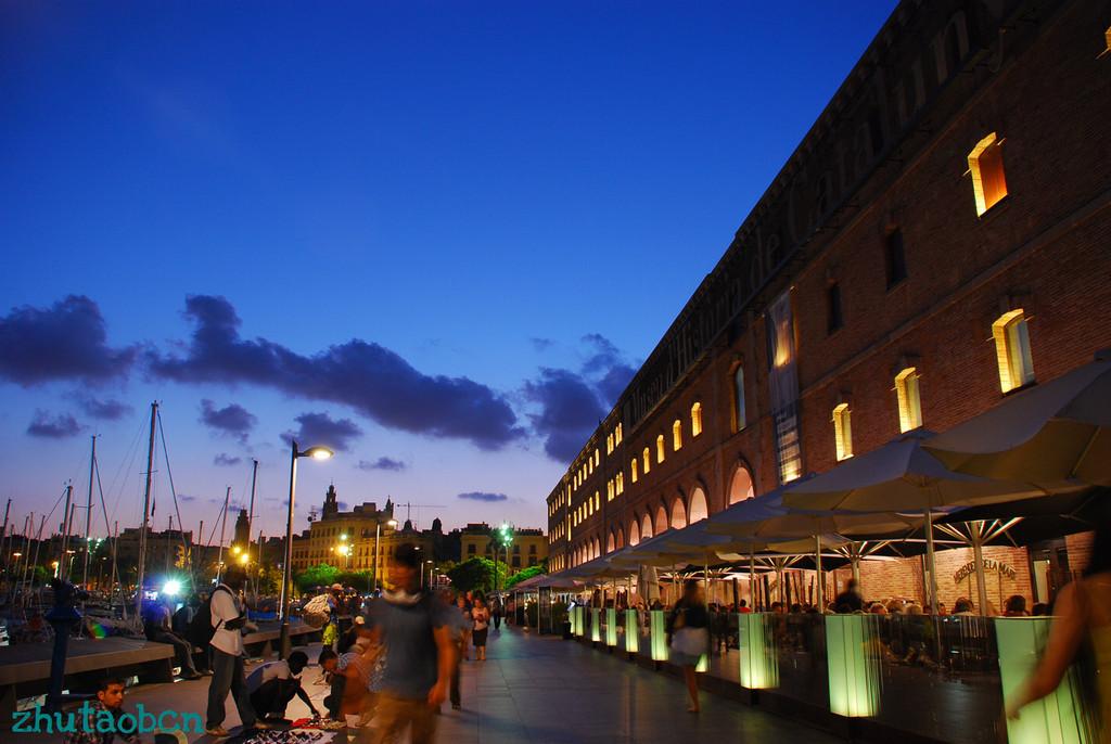 Barcelona夏の夜