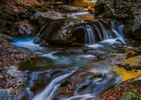 西沢渓谷の名も無き小さな滝