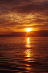 オホーツク海を昇る