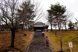 東大寺 戒壇堂へ上がる階段・・・