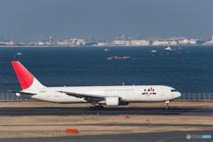 日本航空 ボーイング 767-300 (JA8976)