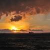 港からの夕景