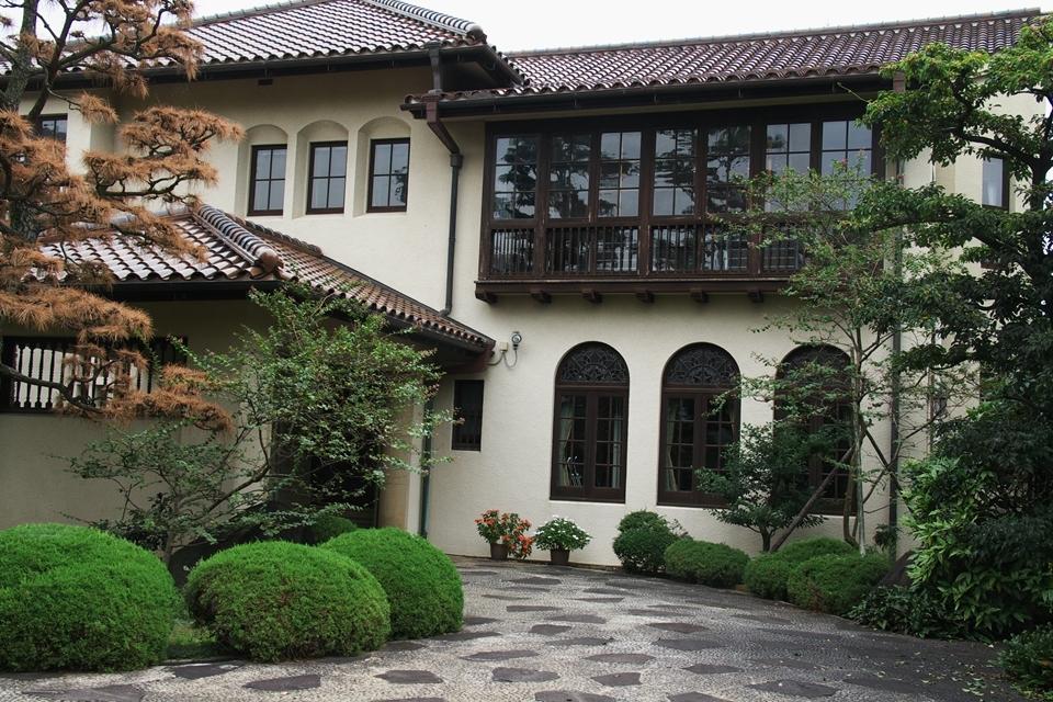 旧新田邸(松山大学温山記念館)