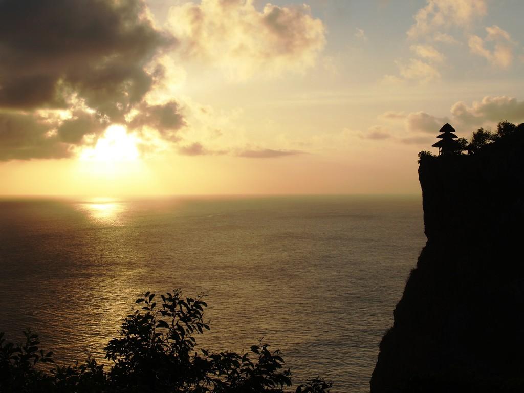 夕陽とお寺