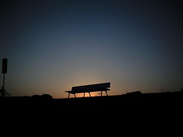 夕暮れベンチ