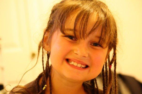 ロシアからの明るい元気な女の子。