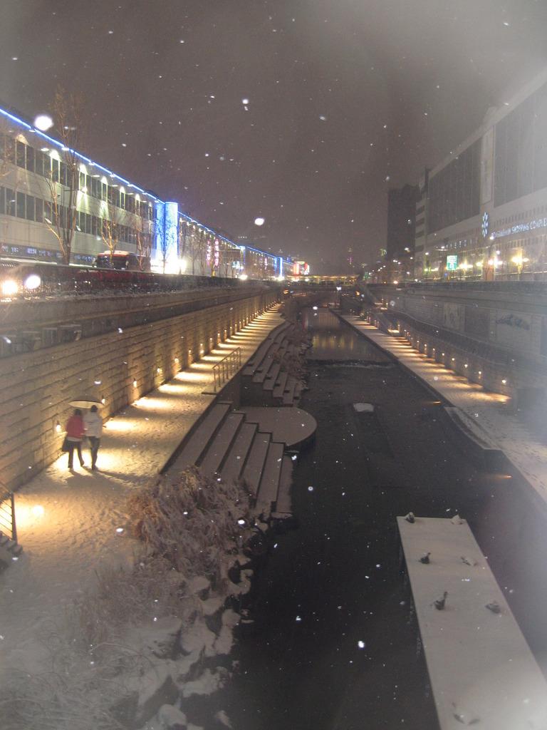 夜の漢江は冬ソナ的